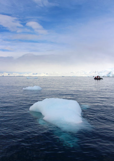 Iceberg in front of a zodiac