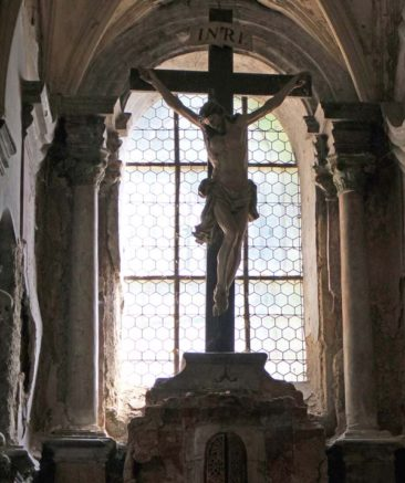 Cross inside the Bone Church