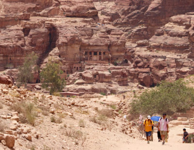 The hiking trails in Petra