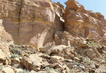 The path to the top of the Chaco Canyon plateau
