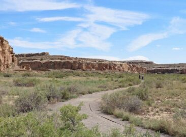 Chaco Canyon Hiking Trail