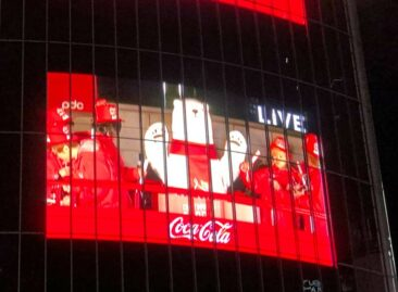Coca-Cola were big sponsors of the Tokyo New Year's festivities