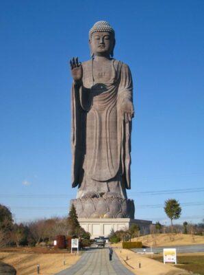 Ushiku Daibutsu - Image via Wikipedia