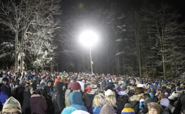 Gobbler's Knob Crowd on Groundhog Day